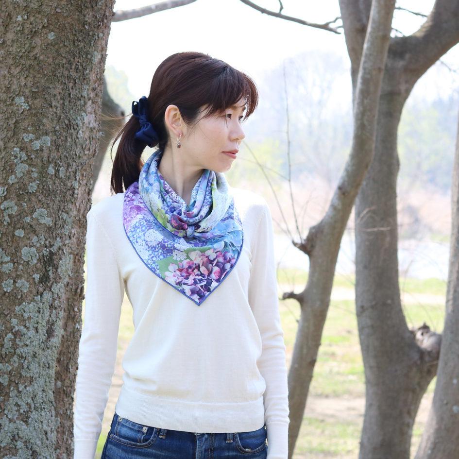 紫陽花浮べてブルー花押しスカーフ