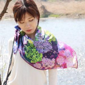 紫陽花押しスカーフレッド