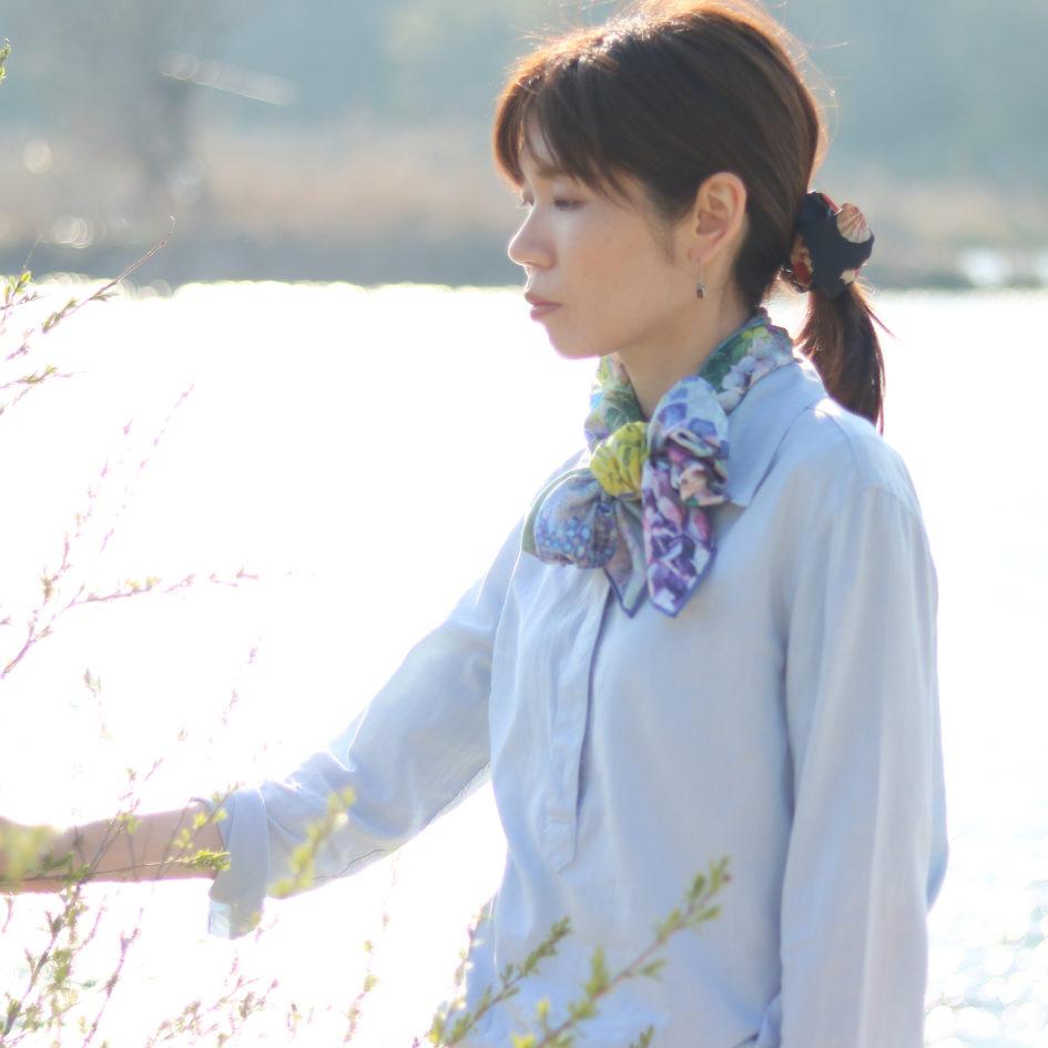 紫陽花浮かべてブルー花押しスカーフ