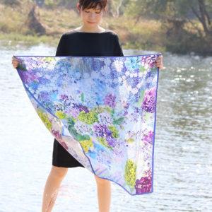 紫陽花を浮かべて花押しスカーフ